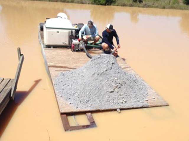 Clearing murky lake water